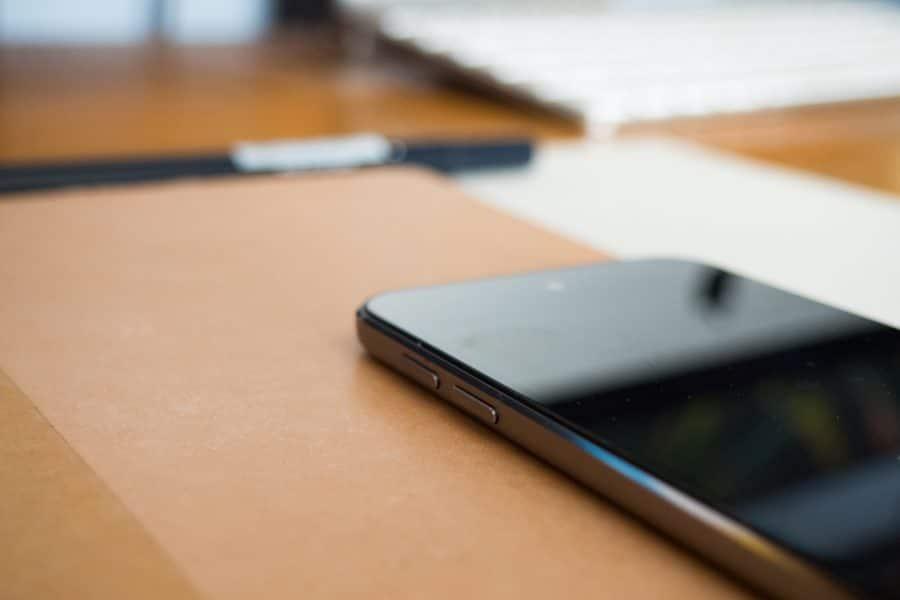 Est-ce qu'un smartphone pliable est solide?