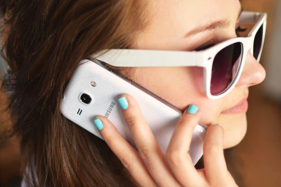 Smartphone pliable Samsung vs smartphone pliable Motorola