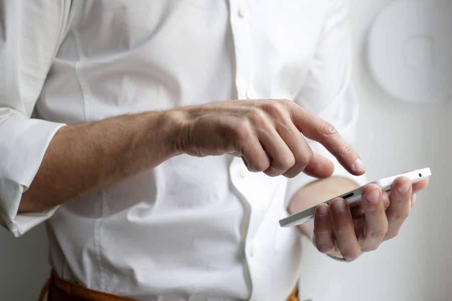 Smartphone pliable Samsung vs smartphone pliable Xiaomi