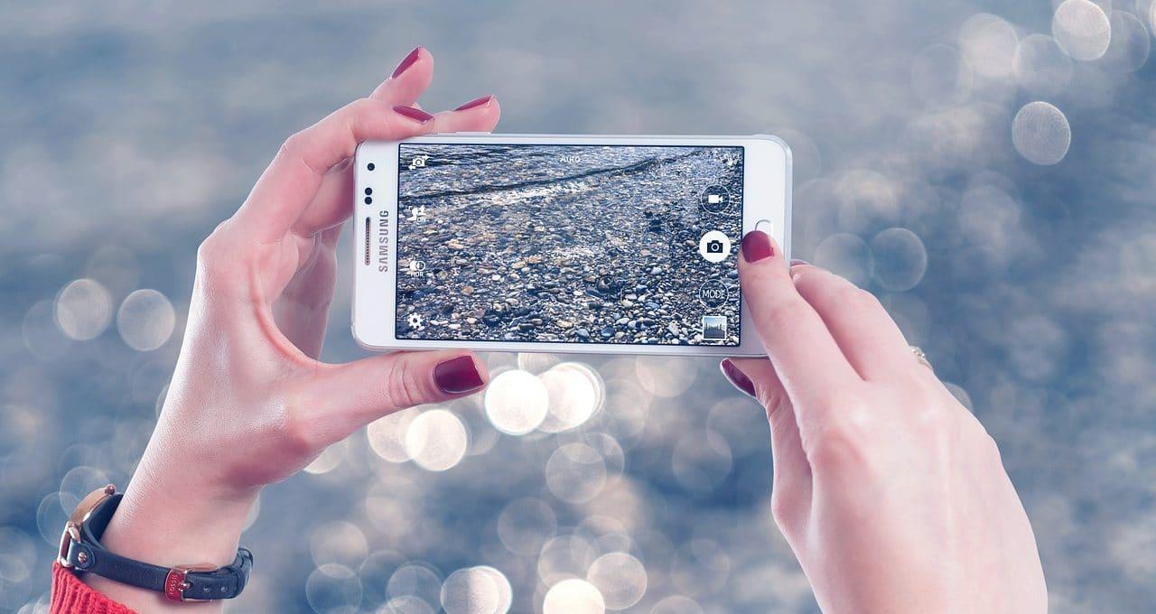 Samsung surprend ses concurrents en s'offrant le champion de la technologie de zoom